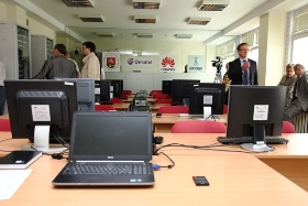 The region's first Huawei Network Academy and Mobile Apps Laboratory for business opens at Vilnius University