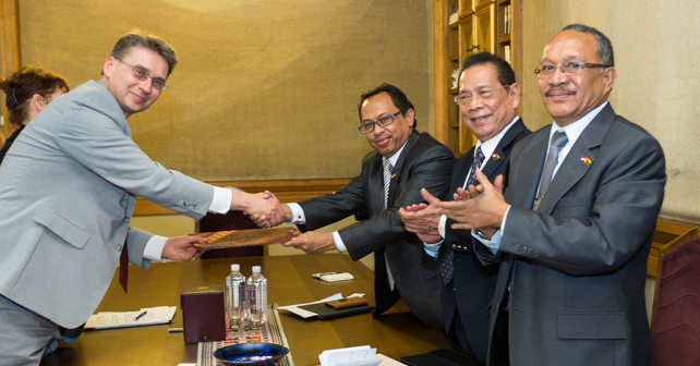 VU Signed a Revised MOU with an Indonesian University. Photo by Edgaras Kurauskas